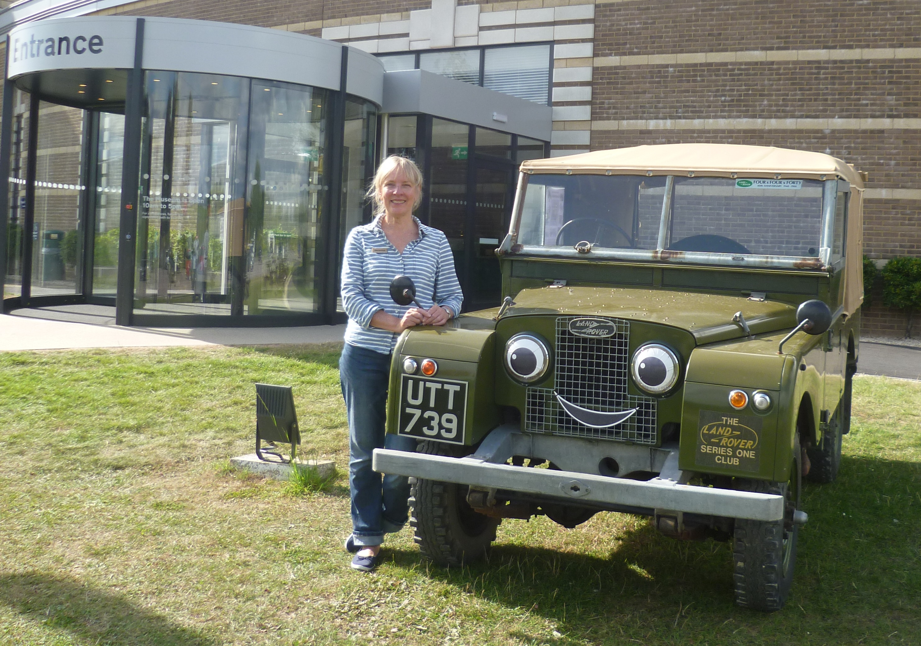 Veronica and Landy at the British Motor Museum event
